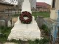 Monumentul-Eroilor-de-la-Biserica-din-Corbu-de-Jos-e1492277345300